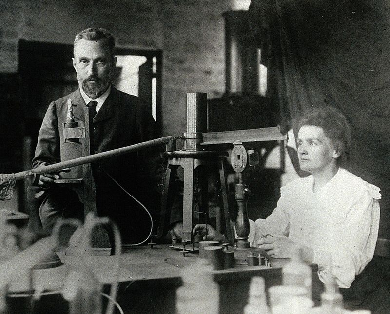 800px-Pierre_and_Marie_Curie.jpg